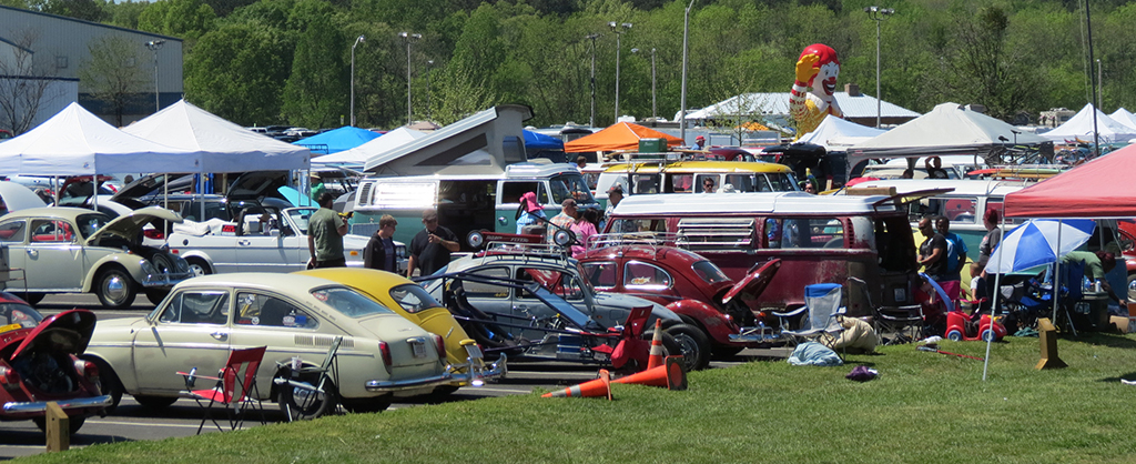 Volkswagen bugs and tents at Bug-a-Paluza